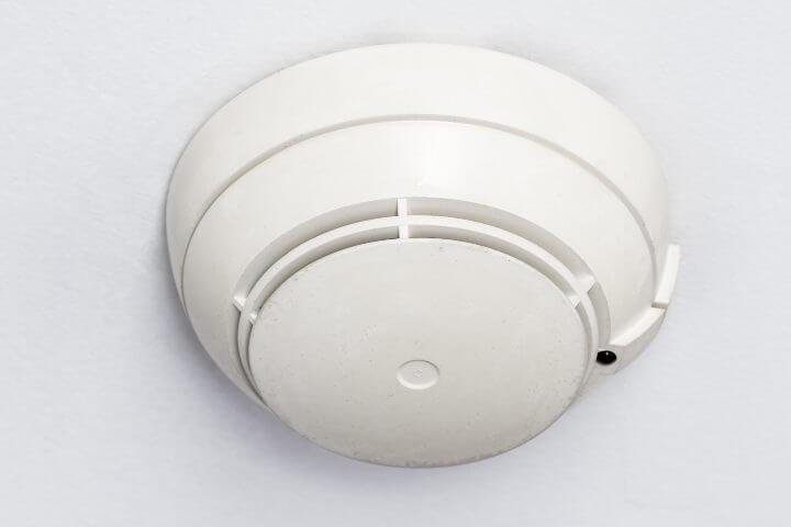 Cámara oculda en detector de humo